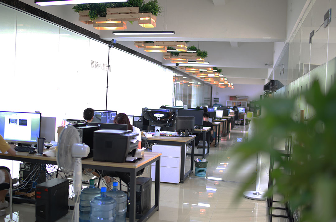开放舒适的办公环境